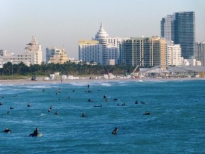 Surferos en South Beach